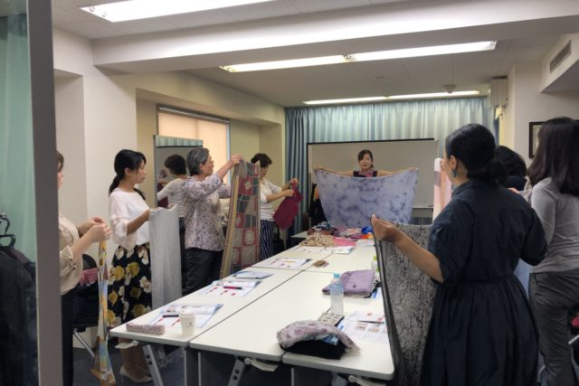 【開催報告】ストールコーディネーターベーシック講座(9月26日)